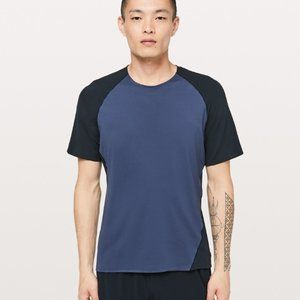 Lululemon Men's Focal Point Athletic Shirt Blue